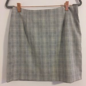 H&M Plaid Mini Skirt in Gray Size 8